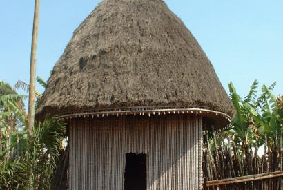 African hut in Bana, a small village of Cameroon. Wikimedia Commons.