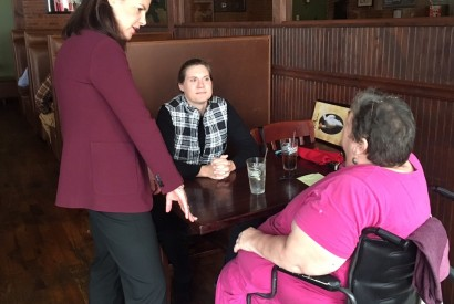 Sen. Kelly Ayotte speaking with Bread for the World members at a popular eatery in Claremont, N.H.