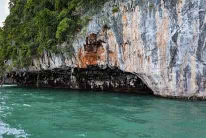Hong Island, Phuket, Thailand. Wikimedia Commons.