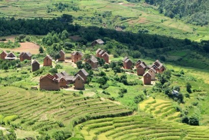Village in Madagascar. Bernard Gagnon/Wikimedia Commons.