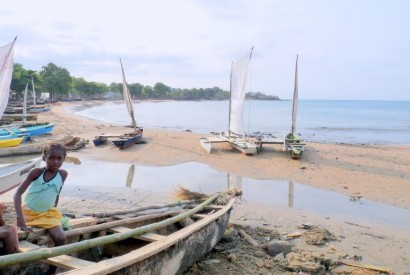 A fishermen's beach launch area in Sao Tome and Principe. Wikimedia Commons.