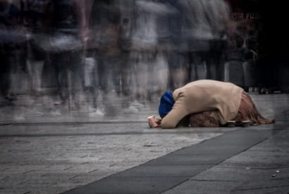 Woman beggar in Paris, France. Howard Wilson for Bread for the World.