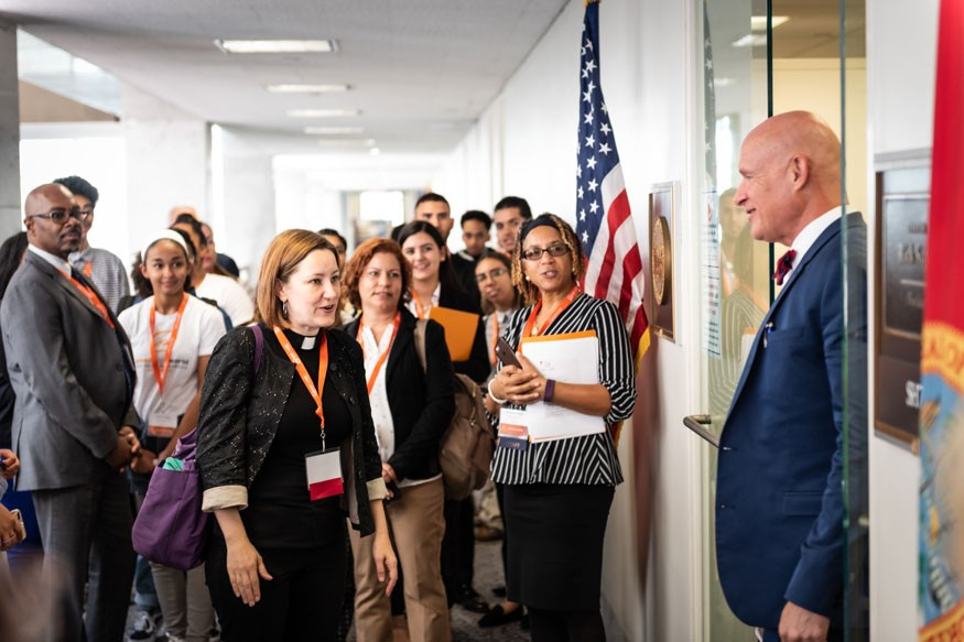 : Bread activists from Florida entering the office of Sen. Rick Scott. Howard Wilson for Bread for the World