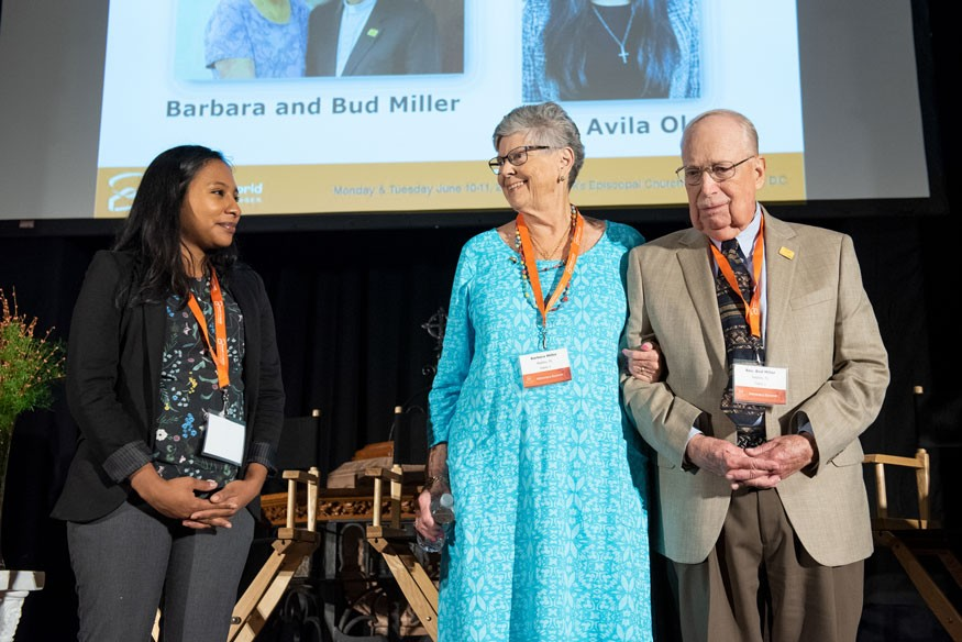 Edith Avila Olea, left, and Barbara and Bud Miller accepting the Rev. Arthur Simon Award for Faithful Service to End Hunger. Lacey Johnson for Bread for the World.