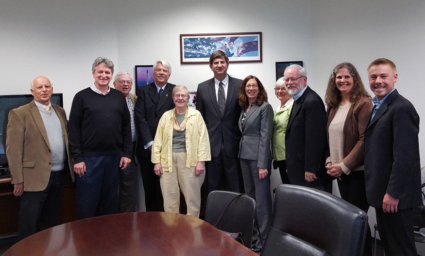 Religious leaders meet with U.S. Rep. Brad Schneider (D-IL-10) on foreign assistance. Photo: Bread for the World