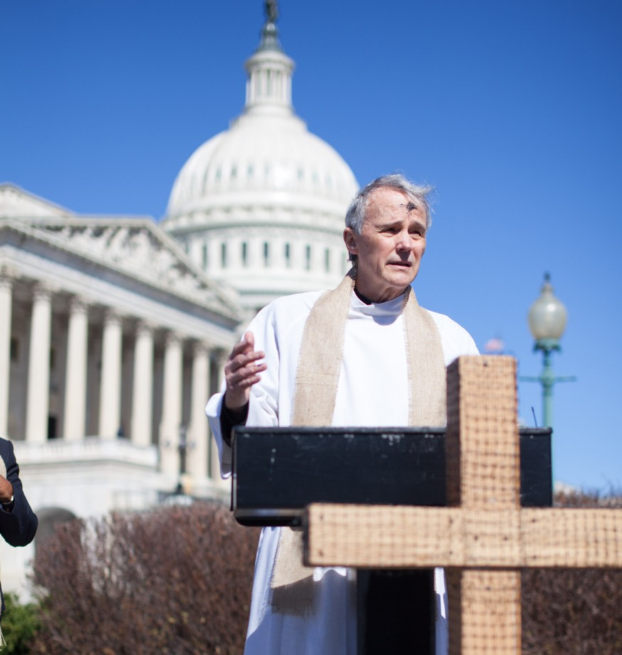 Rev. David Beckmann speaking during a gathering of faith leaders on the U.S. Capitol grounds. Photo: Joe Molieri / Bread for the World