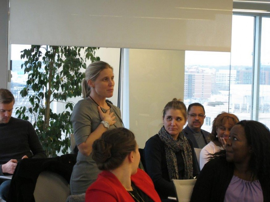 A participant speaking during a discussion about the Sustainable Development Goals at Bread for the World office. Todd Post/Bread for the World.