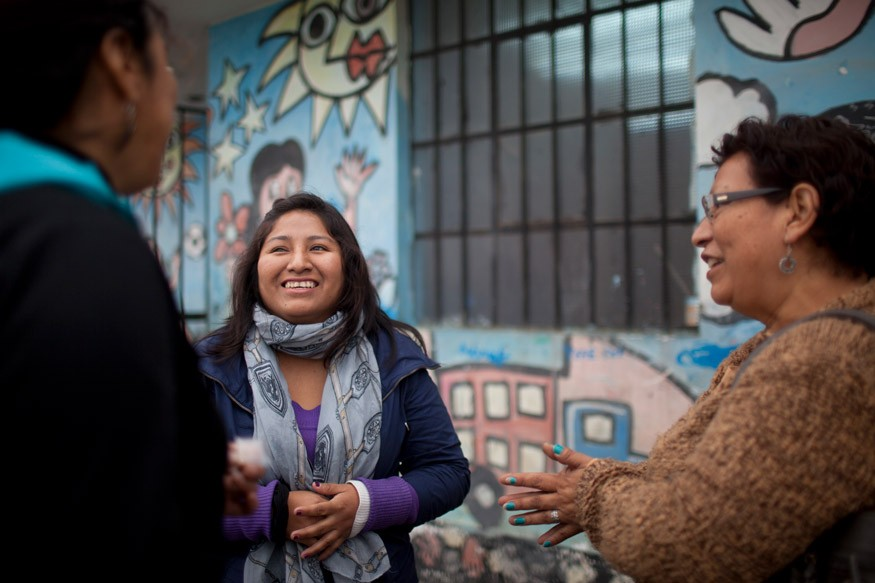 Outside a community center in Lima. Photo: World Bank/Dominic Chavez