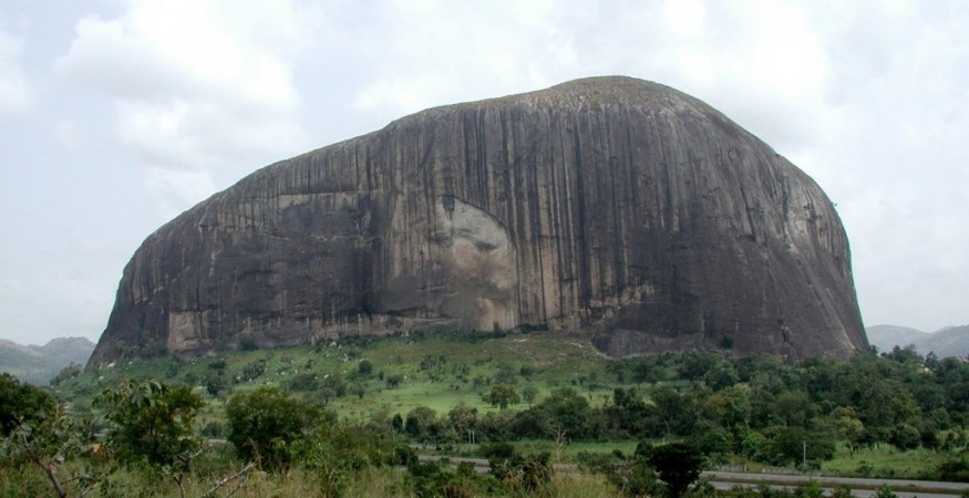 Zuma Rock formation in Nigeria. Wikimedia Commons.