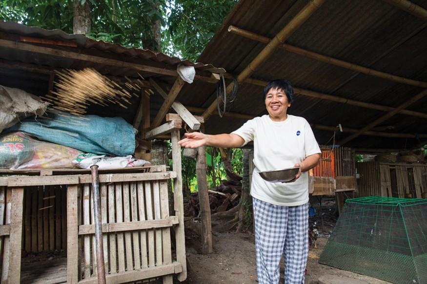 Mercedita Cubar is teaching fellow smallholder farmers how to adapt to climate change. Photo: Joe Molieri / Bread for the World