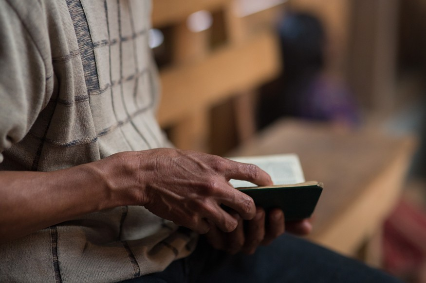 Prayer and reflection. Photo by Joe Molieri / Bread for the World